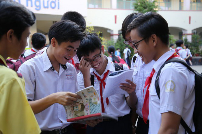 Ho Chi Minh City's proposal to make middle school free for all rejected