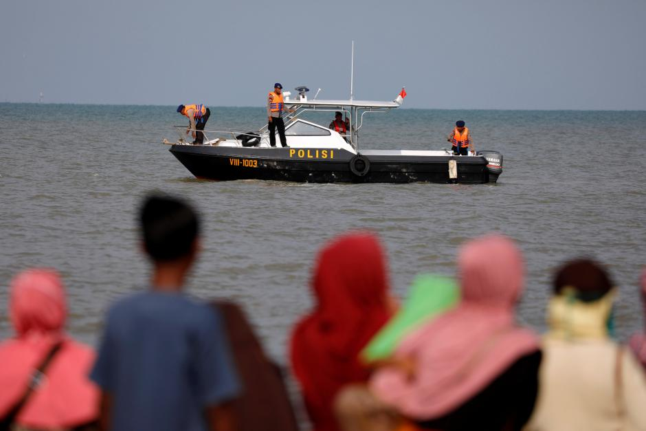 Doomed Indonesian plane with 189 on board had asked to return to base