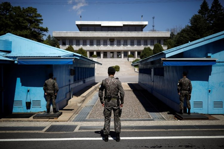 No-fly zone, military drill ban near Korea border take effect