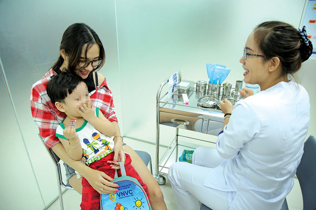 Largest vaccination center in southern Vietnam opens