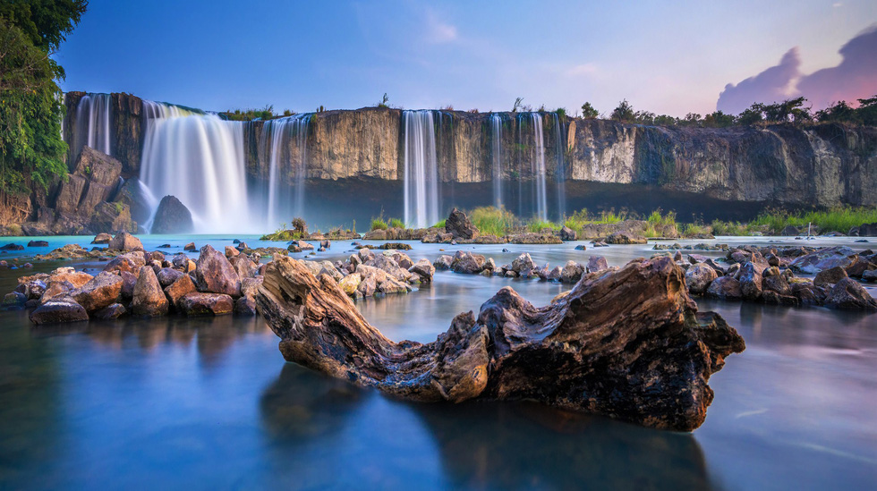 "Photo ""Pongour Nam Phuong De Nhat Thac"" (Pongour The Best Waterfall in the southern) by Do Tuan Ngoc"