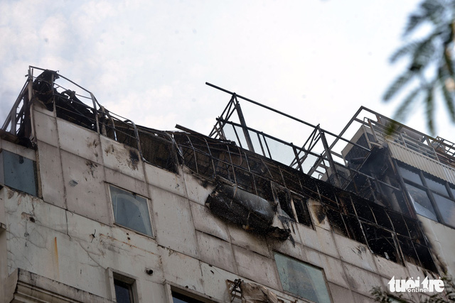 The top floors of a hotel in downtown Ho Chi Minh City is burnt down after a fire on November 3, 2018. Photo: Tuoi Tre