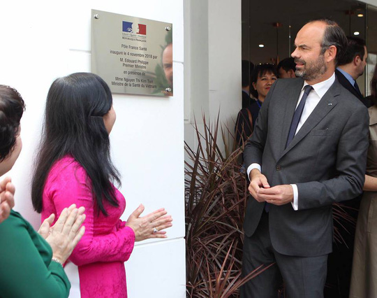 French PM attends ceremony to open health care center in Ho Chi Minh City