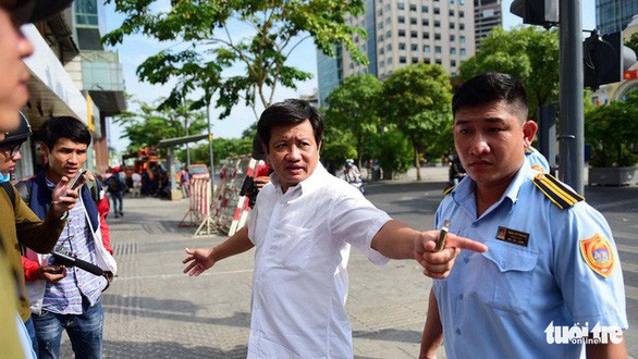 Ho Chi Minh City 'sidewalk captain' Doan Ngoc Hai keeps seat after resignation