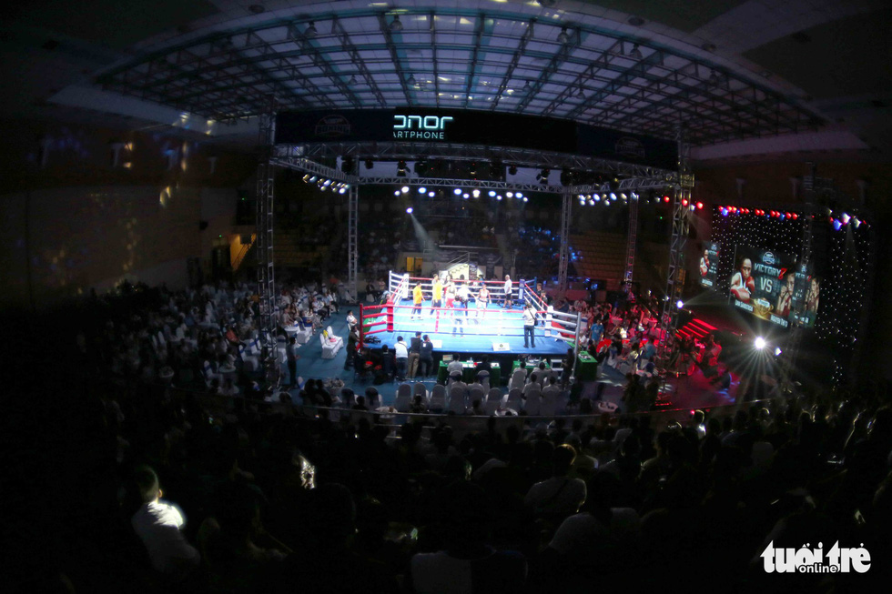 A fight at the Victory8 boxing tournament in Ho Chi Minh City on October 3, 2018. Photo: Tuoi Tre
