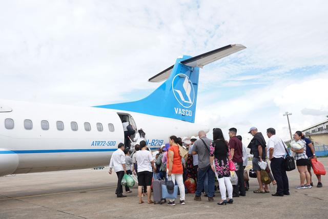 Vietnamese flight attendants attack each other upon landing