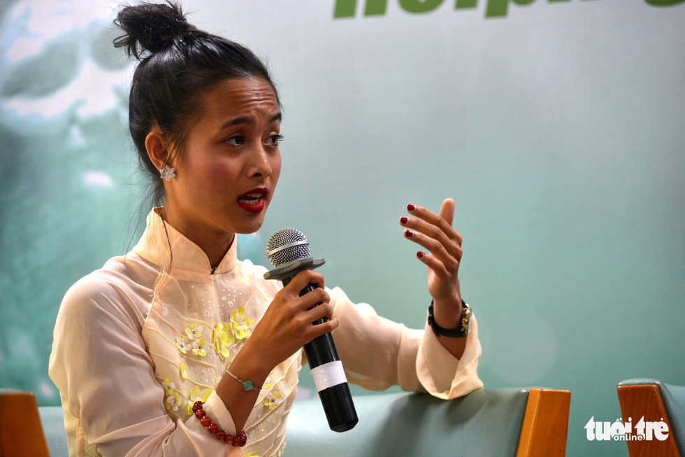French-Vietnamese adoptee Hien Munier shares her story at an event in Ho Chi Minh City on November 5, 2018. Photo: Tuoi Tre