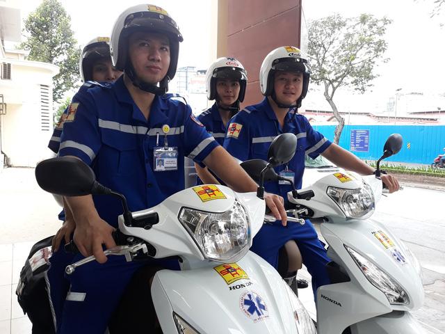 Vietnamese hospital pilots two-wheeled ambulance service