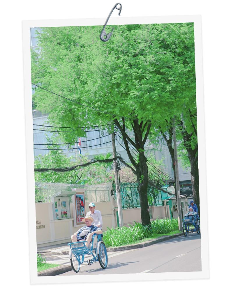 A xich lo (trishaw) runs on a street in Ho Chi Minh City, Vietnam. Photo: Tuoi Tre
