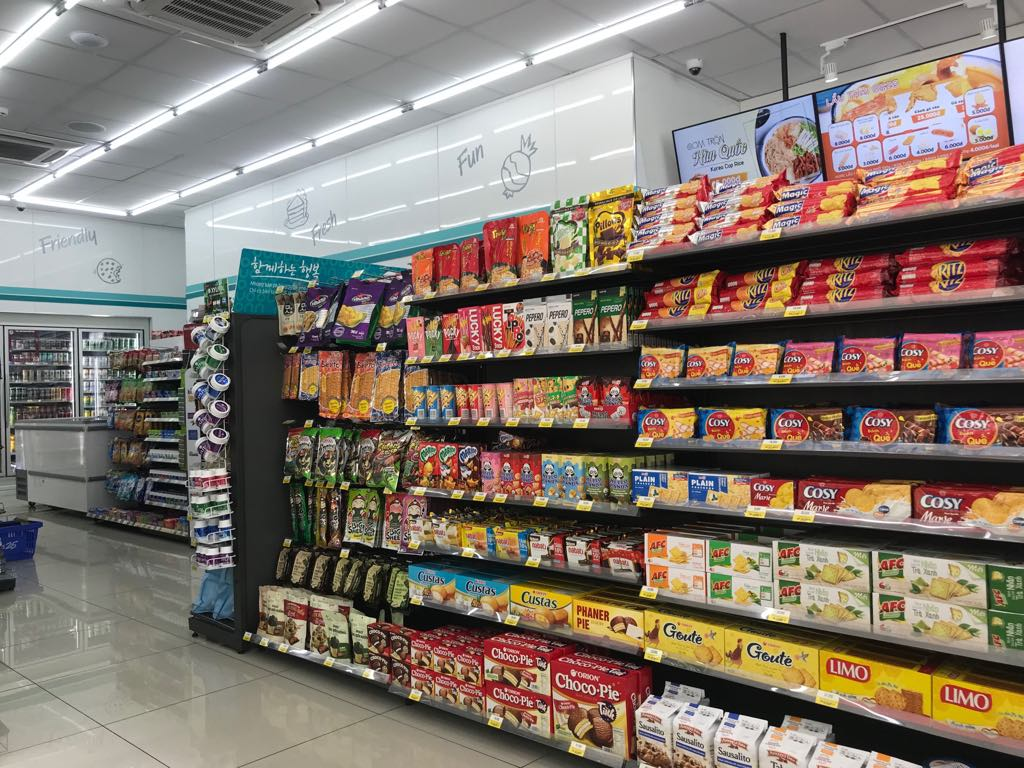 Vietnamese do shopping at convenience stores more often than at supermarkets: report