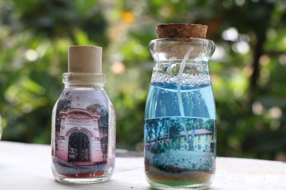 Vietnamese students make unique container candles for school's 100th anniversary