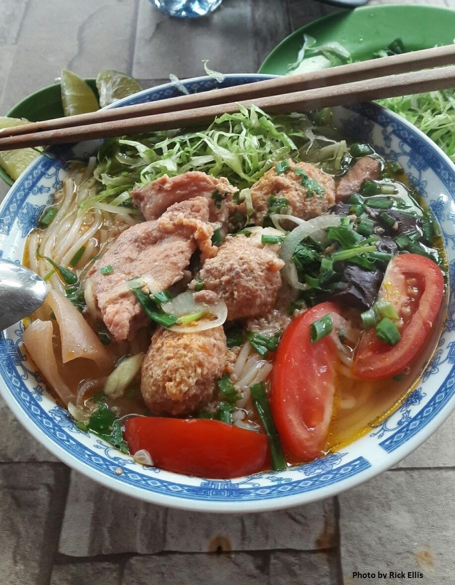 Three great street soups in Da Lat