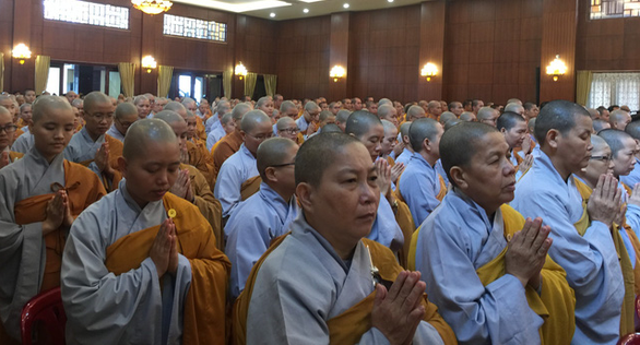 Buddhist nuns pray at a memorial service at Vietnam Quoc Tu in Ho Chi Minh City, Vietnam November 18, 2018. Photo: Tuoi Tre