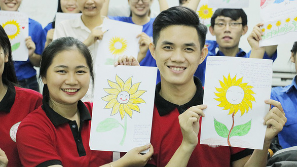 Campaign in Tuoi Tre-backed fest to fundraise for children with cancer attracts great participation