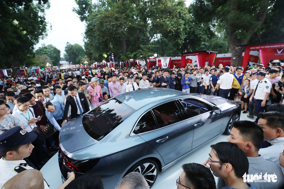<em>The LUX A2.0 sedan is seen at the ceremony in Hanoi on November 20, 2018. Photo: </em>Tuoi Tre