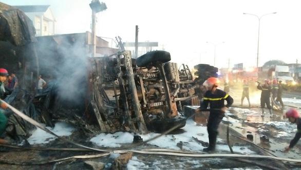 Six dead, 19 houses burned in tanker fire in southern Vietnam