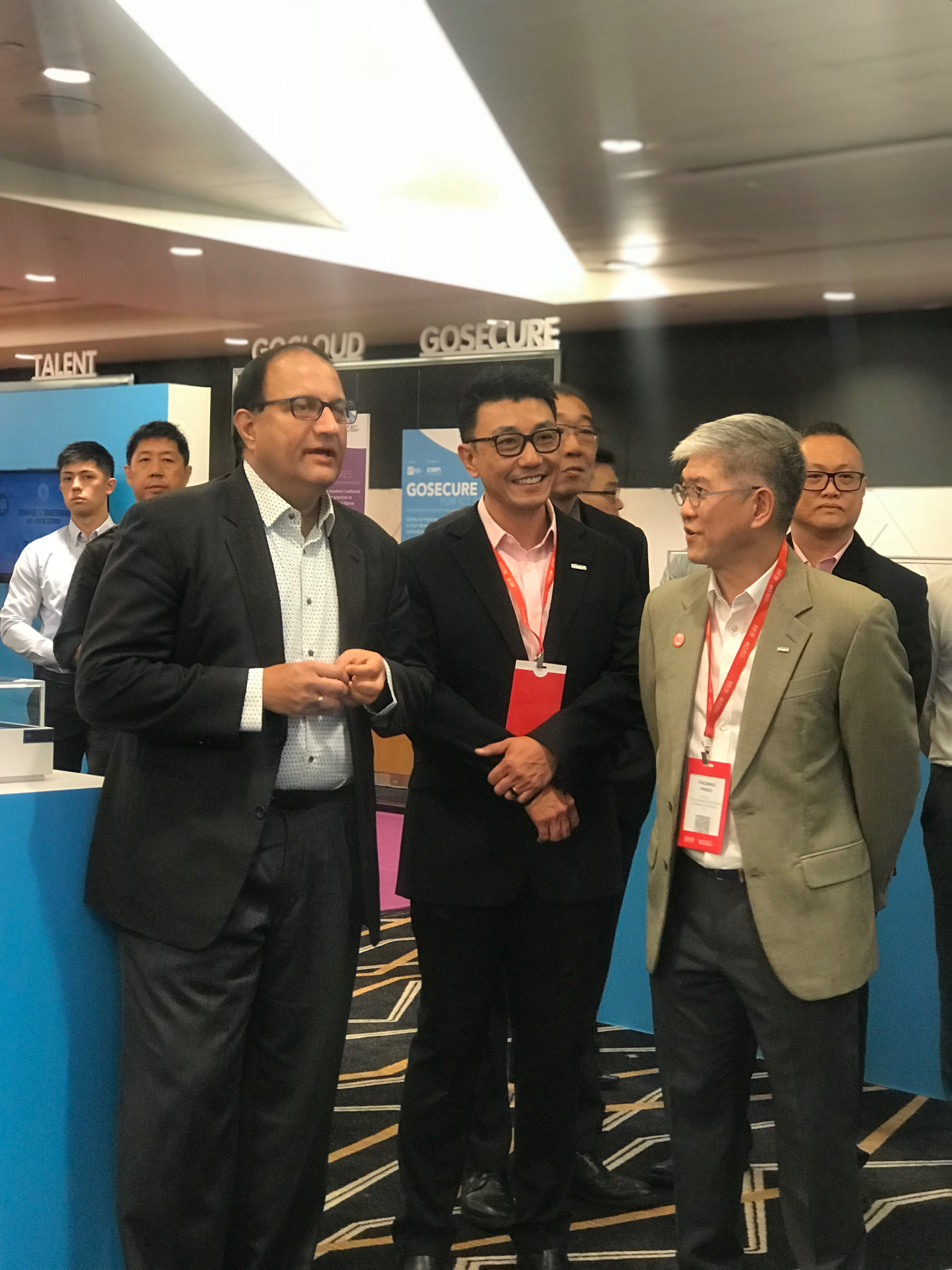 Minister for Communications and Information S Iswaran (left) is seen at the event. Photo: Liem Nguyen