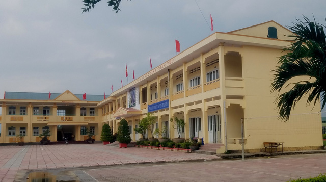 Vietnamese student hospitalized after teacher asks classmates to slap him 230 times