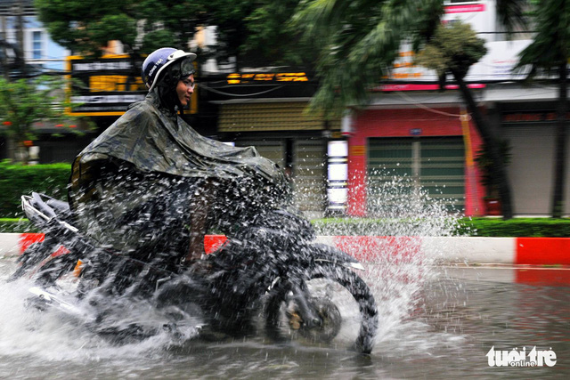 Rain dampens south-central, southern Vietnam as storm Usagi approaches mainland