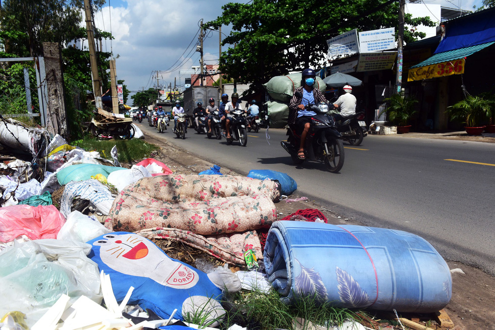 Ho Chi Minh City flooded with garbage after historic inundation