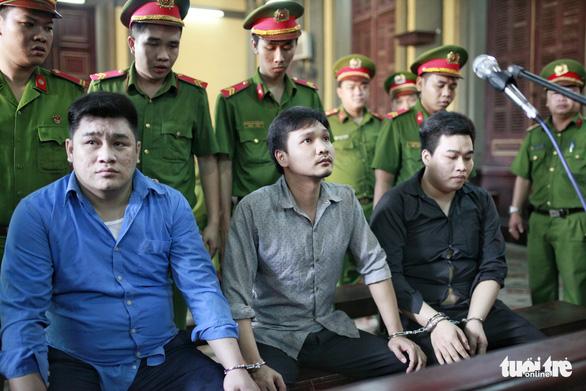From left, Nguyen Tan Tai, Ngo Van Hung, and Nguyen Hoang Chau Phu. Photo: Tuoi Tre