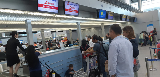 Vietnam on track to meet foreign arrival target as Jan-Nov tourist numbers top 14 million