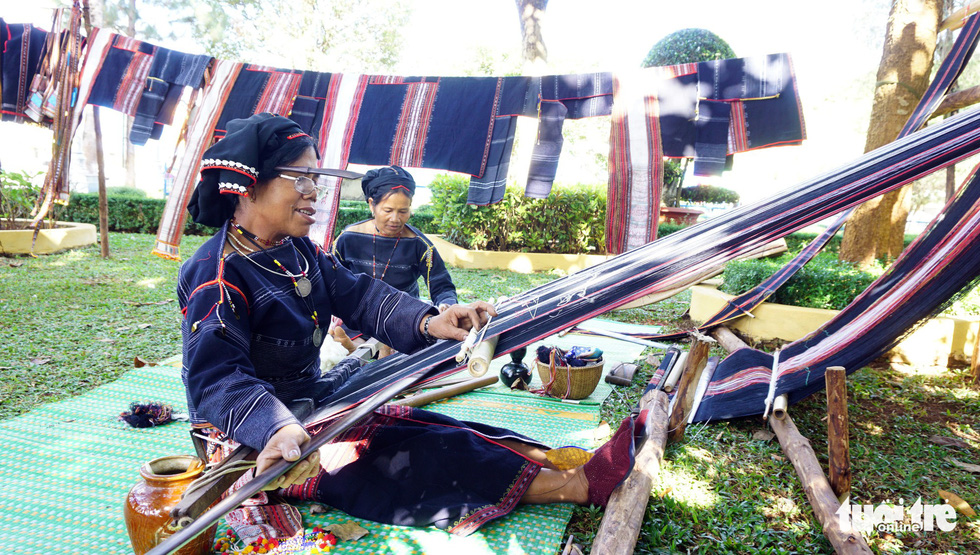 Women weave brocade at the Gong Festival in the Central Highlands province of Gia Lai. Photo: Tuoi Tre