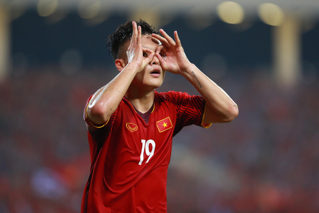 Vietnam's Quang Hai celebrates after scoring a goal during their second leg against the Philippines in the 2018 AFF Championship semifinal in Hanoi on December 6, 2018. Photo: Tuoi Tre