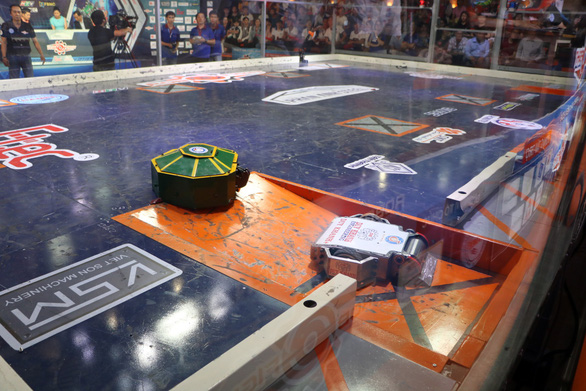University holds Vietnam's first 'BattleBots' competition