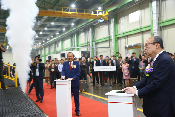 Vietnam puts country's first aircraft engine factory into operation