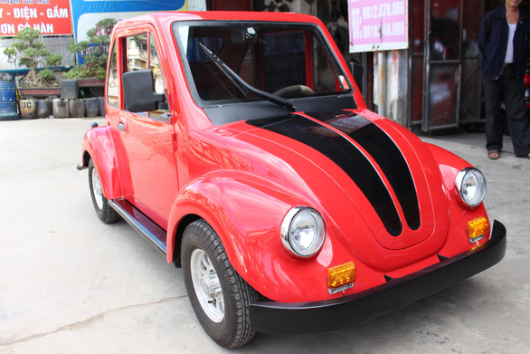 Vietnamese eleventh grader builds VW Beetle-style electric car