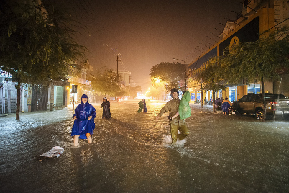 Torrential rain sinks Da Nang, provinces across central Vietnam