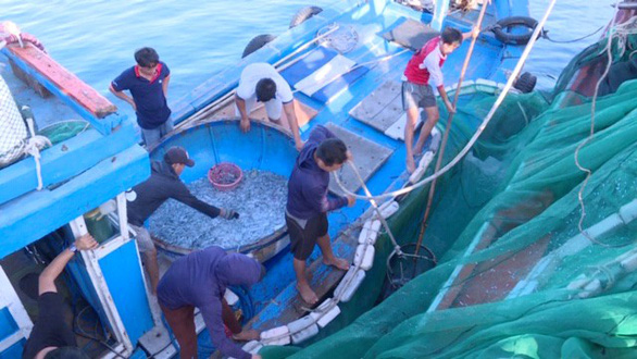 Despite ban, fishing persists in Vietnam's marine reserve