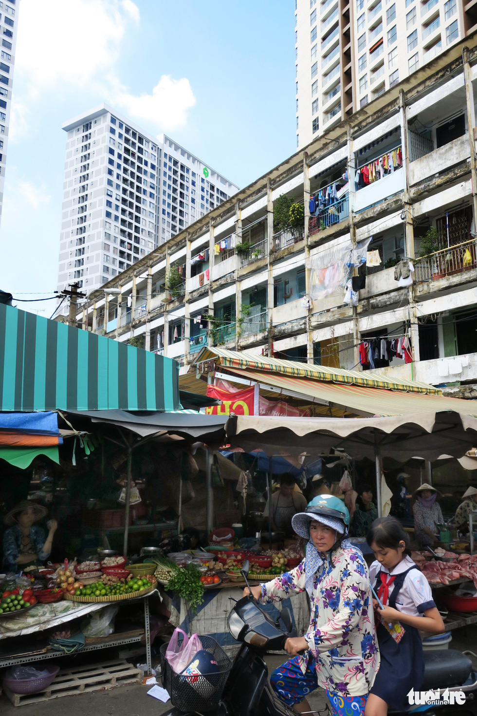 The market next to the Hang Phan apartment building in Ho Chi Minh City, Vietnam. Photo: Tuoi Tre
