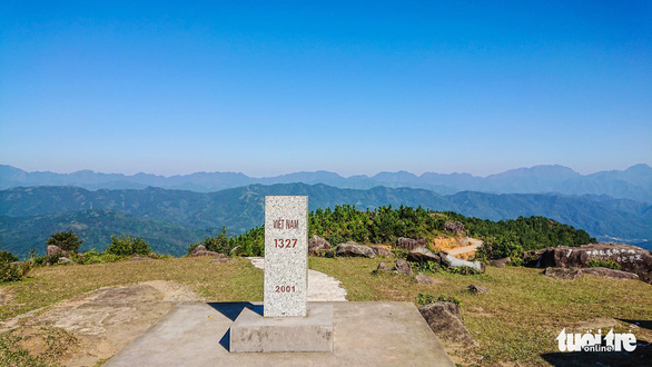 A border marking on top of a mountain range in Binh Lieu District in Quang Ninh Province in northern Vietnam. Photo: Tuoi Tre