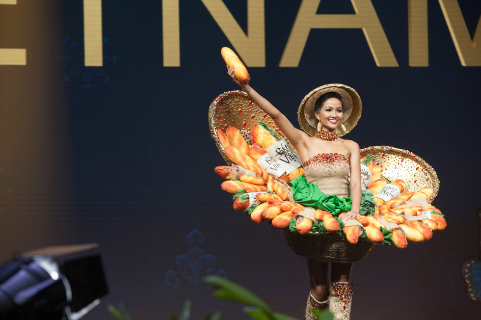 Ethnic beauty queen first Vietnamese to make it to Miss Universe Top Five
