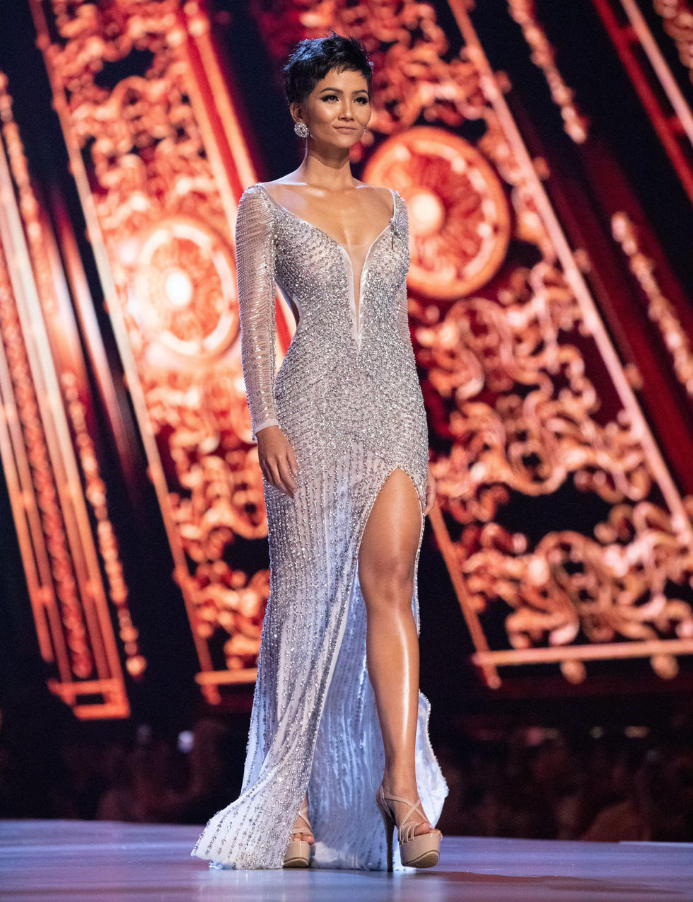 H'Hen Nie performs in the grand finale of the 2018 Miss Universe beauty pageant in Thailand on December 17, 2018.