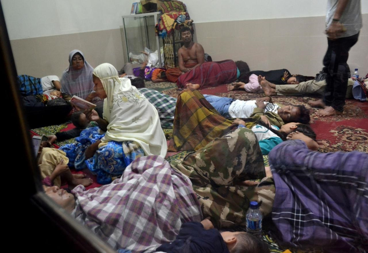 Volcano-triggered tsunami kills at least 43 in Indonesia, injures hundreds