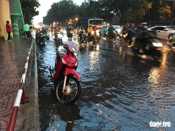 Temperature to dip in northern Vietnam; rain to batter southern provinces