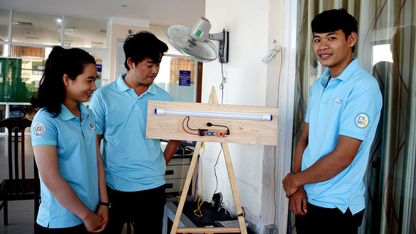 Vietnamese students create voice-controlled smart-lights