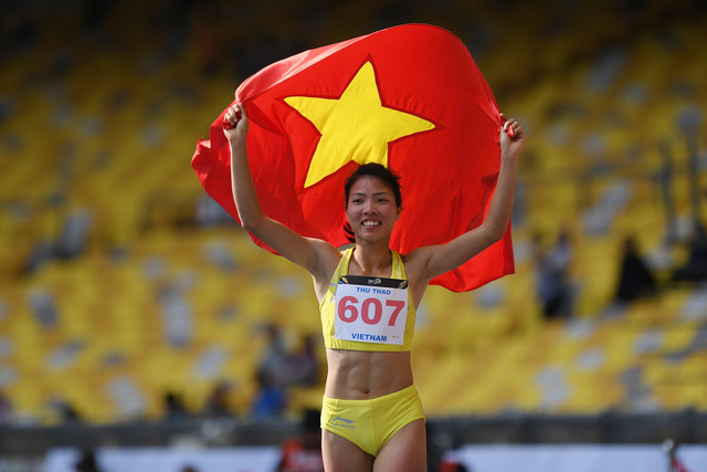 Long jumper beats footballer to be Vietnamese 'athlete of the year'