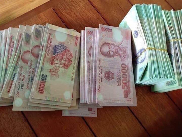 Banknote look-alike envelopes raise legal eyebrows in Vietnam