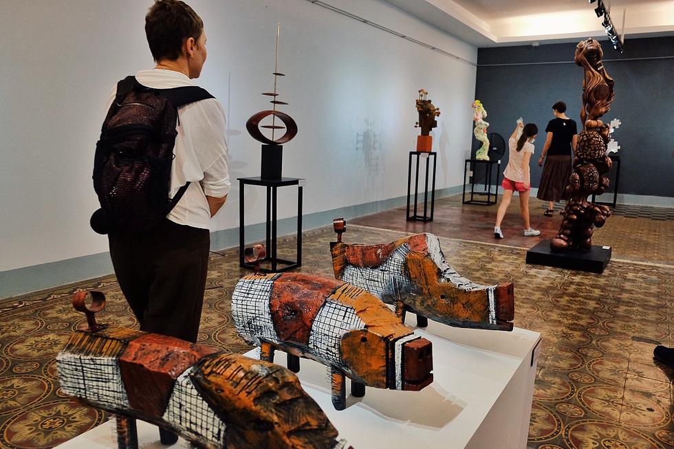 Vietnam's quintessential modern sculptures showcased in Saigon exhibition