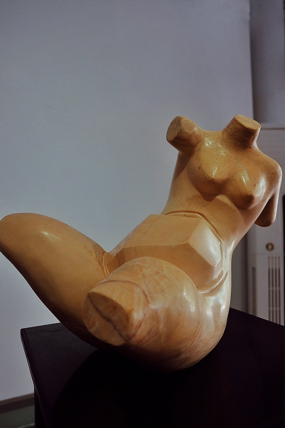 Phan Phuong's Nude 2 at an exhibition in Ho Chi Minh City, Vietnam, December 2018. Photo: Tuoi Tre