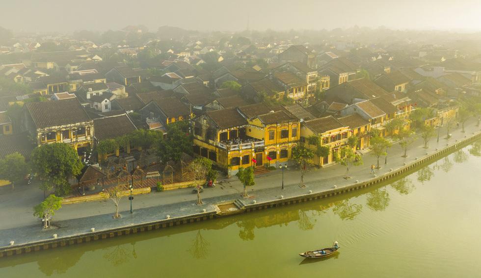Let's visit Hoi An!