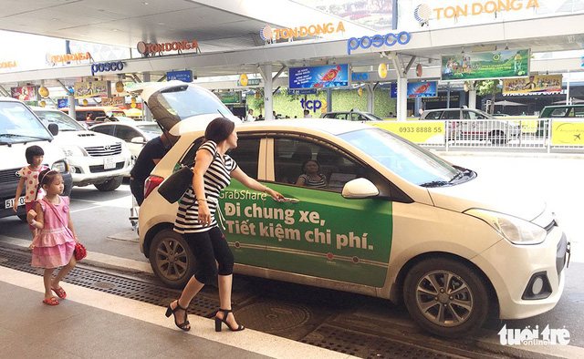 Grab to appeal against ruling to compensate Vietnam taxi company