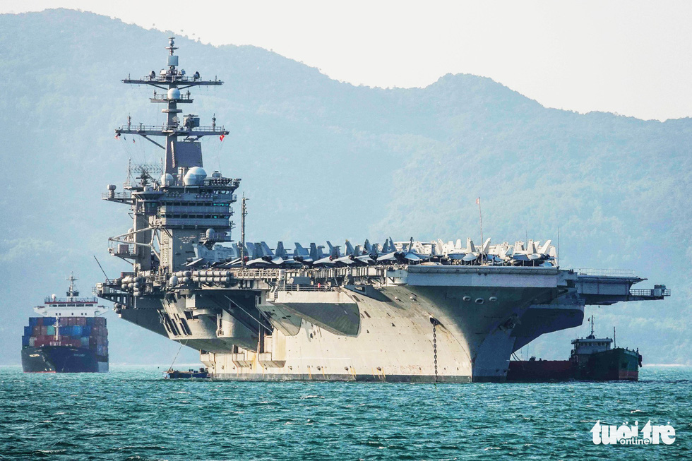 Aircraft carrier USS Carl Vinson, accompanying vessels, and around 3,000 crew members arrived in the waters of Da Nang on March 5, 2018. This was an important milestone in the relations between Vietnam and the U.S.