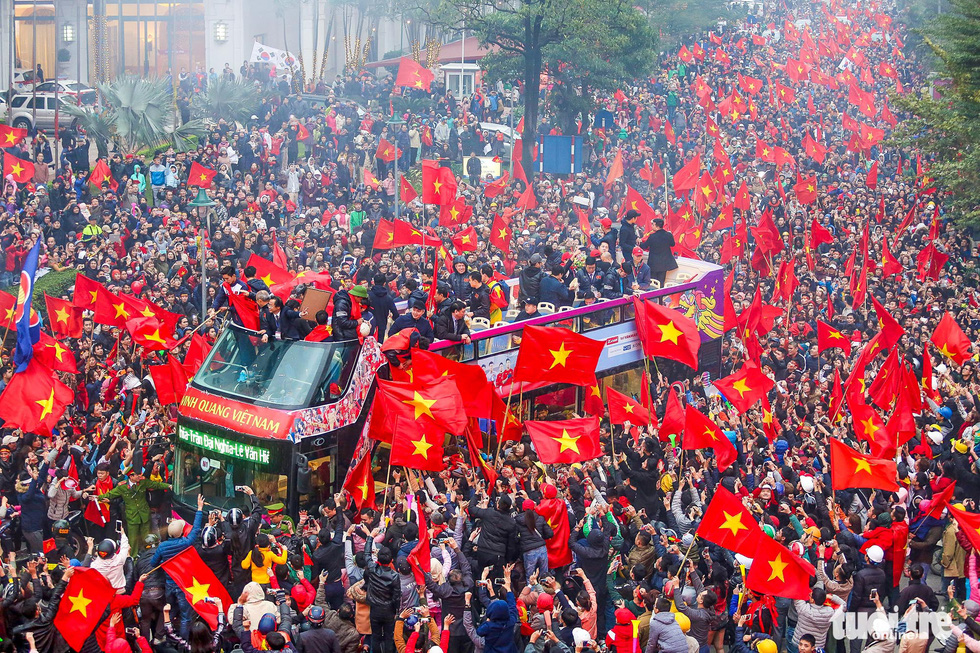 Fans welcome the Vietnamese men's football team after their historic second-place feat at the 2018 AFC U23 Championship in China in January 2018.