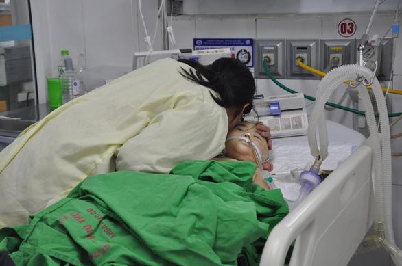 Transplant of deceased Vietnamese child's eye restores sight of man