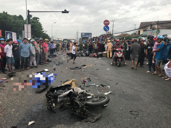 Suspected drugged, drunk driver causes crash that killed four in Vietnam: source